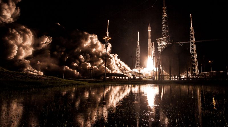 Dazzling Photos of Atlas V's Early Morning Blastoff on Classified Government Mission