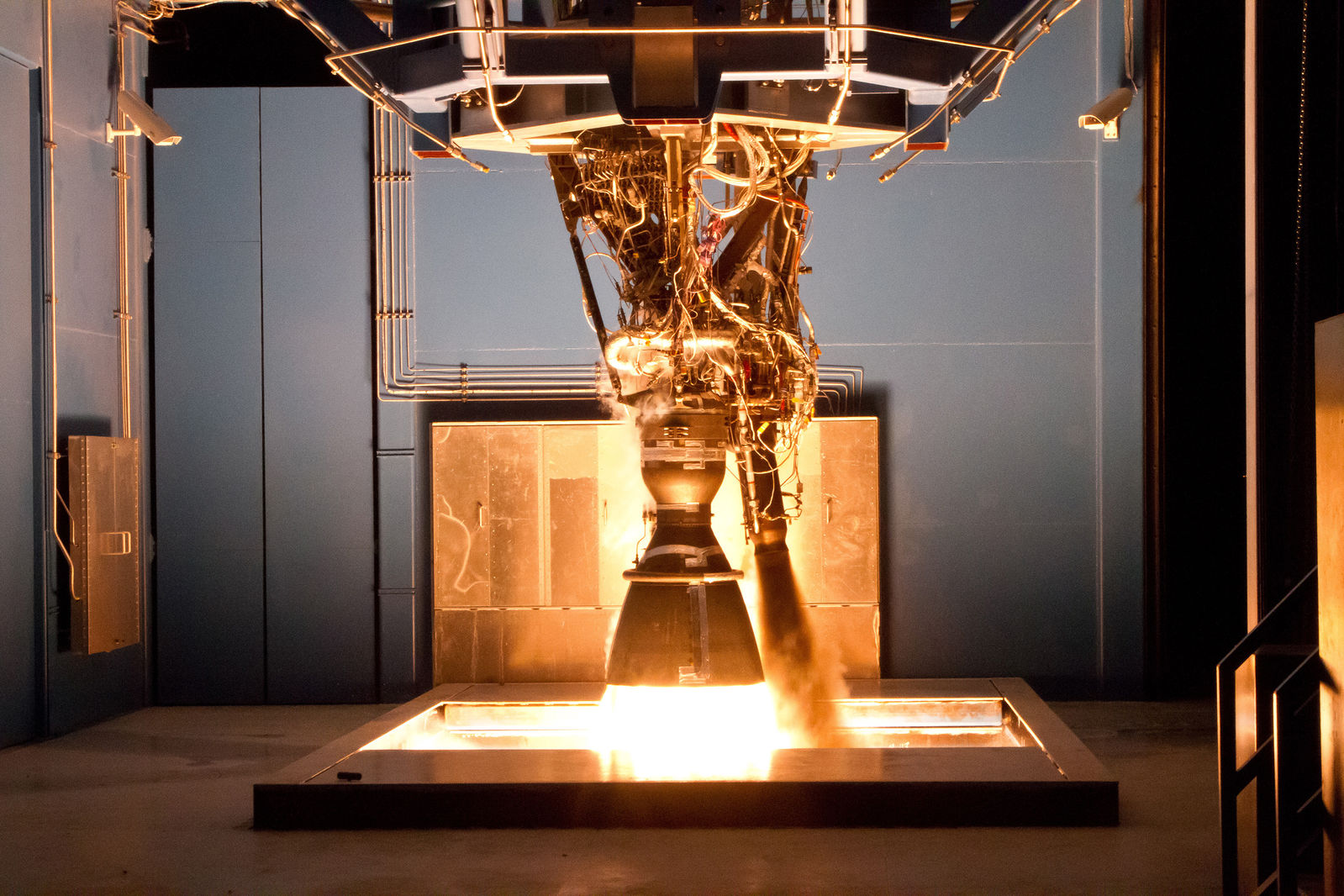 Spacex Suffers Failure During Merlin 1d Engine Testing