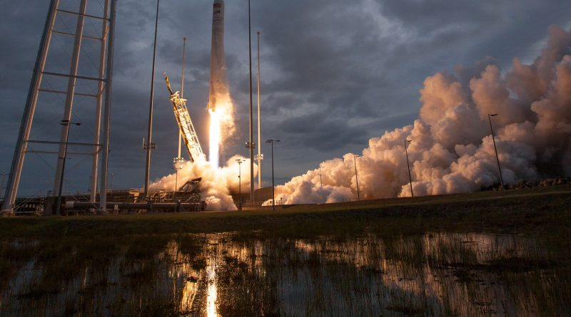 Photos: Antares Blasts off from Virginia on Space Station Cargo Run