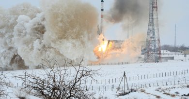 Photos: Soyuz Rockets Skyward in the Dead of Winter with Progress Cargo Spacecraft