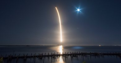Photos: Falcon 9 Races into the Night with heavy Hispasat Communications Satellite