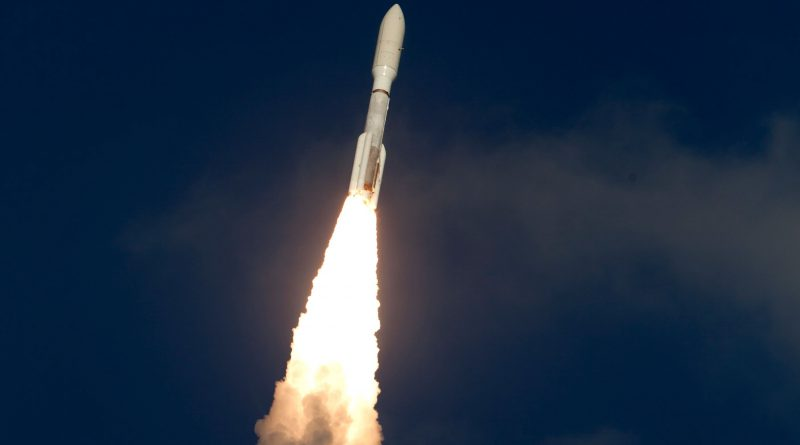 Photos: Atlas V Leaps Off From Florida with GOES-S