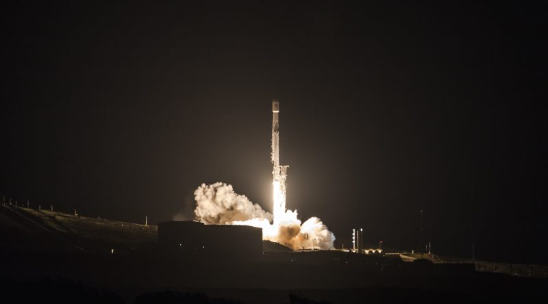 Falcon 9 Launches PAZ Radar Satellite & SpaceX Starlink Prototypes, Debuts Fairing 2.0