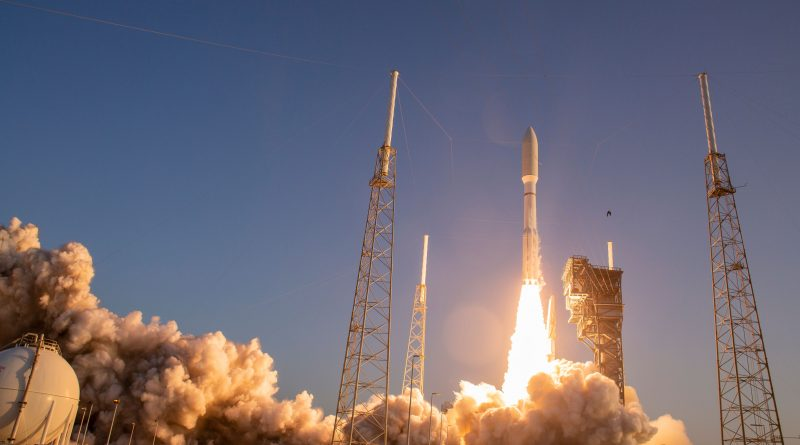Muscly Atlas V Rumbles off from Florida on Direct Geostationary Delivery with CBAS & EAGLE