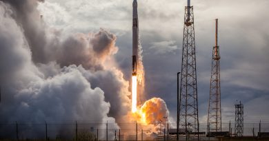Science-Laden Dragon Lifted to Orbit by 5th Expendable Falcon 9 in a Row